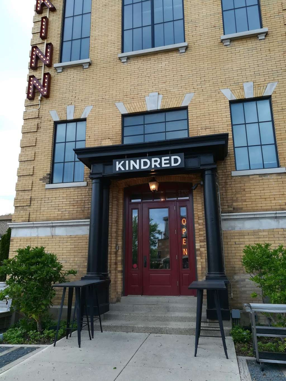 Kindred on KK - restaurant  | Photo 3 of 10 | Address: 2535 S Kinnickinnic Ave, Milwaukee, WI 53207, USA | Phone: (414) 446-3640