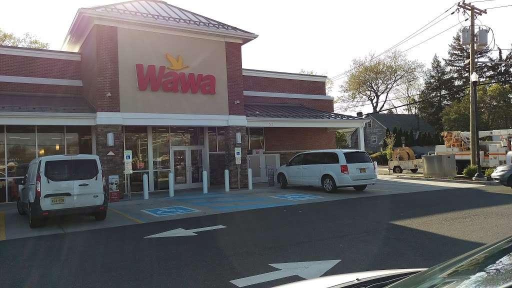 Wawa - convenience store  | Photo 9 of 10 | Address: 505 S River St, Hackensack, NJ 07601, USA | Phone: (201) 488-1214