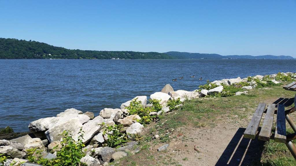 MacEachron Waterfront Park - park  | Photo 5 of 10 | Address: 100 River St, Hastings-On-Hudson, NY 10706, USA