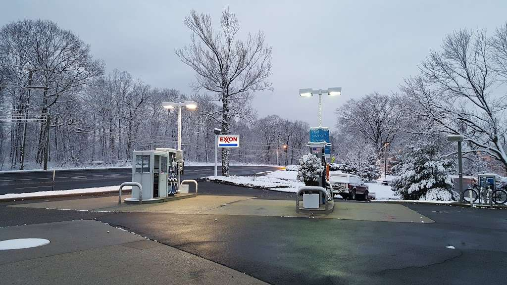 Exxon - gas station  | Photo 1 of 2 | Address: 754 Sylvan Ave, Englewood Cliffs, NJ 07632, USA | Phone: (201) 567-0788