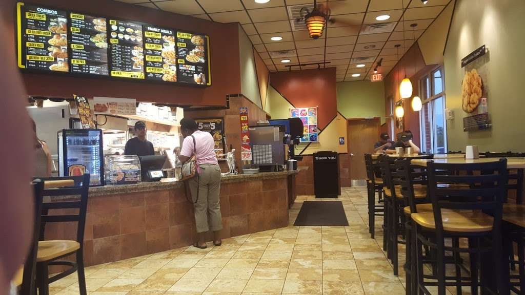 Golden Chick - meal takeaway  | Photo 6 of 10 | Address: 2702 Lavon Dr, Garland, TX 75040, USA | Phone: (972) 905-5160