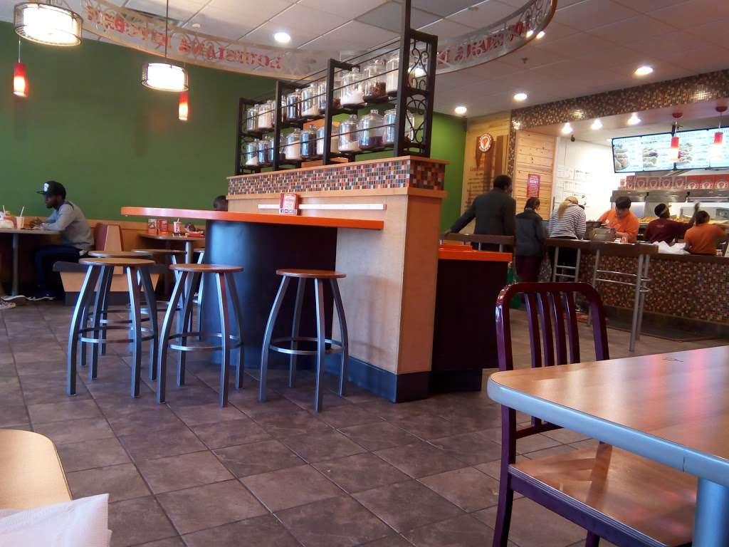 Popeyes Louisiana Kitchen - restaurant  | Photo 8 of 10 | Address: 237 Monmouth St, Jersey City, NJ 07302, USA | Phone: (201) 885-2085