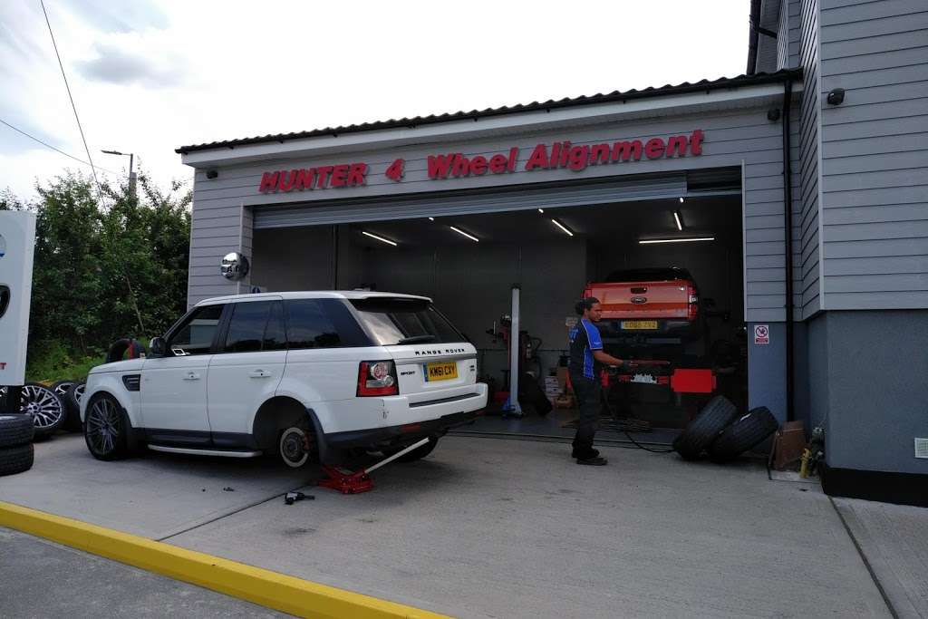 DGT Wheels & Tyres - car repair    Photo 9 of 10   Address: Wash Rd, Basildon SS15 4BT, UK   Phone: 01268 416201