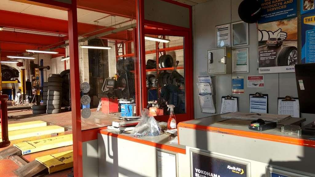 Kwik Fit Crawley - London Road - car repair    Photo 1 of 10   Address: County Oak Way, London Rd, Crawley RH11 0PF, UK   Phone: 01293 551055