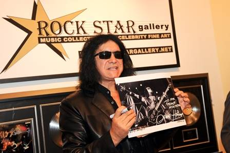 ROCK STAR gallery - shopping mall  | Photo 4 of 7 | Address: 15211 N Kierland Blvd #160, Scottsdale, AZ 85254, USA | Phone: (480) 275-4501
