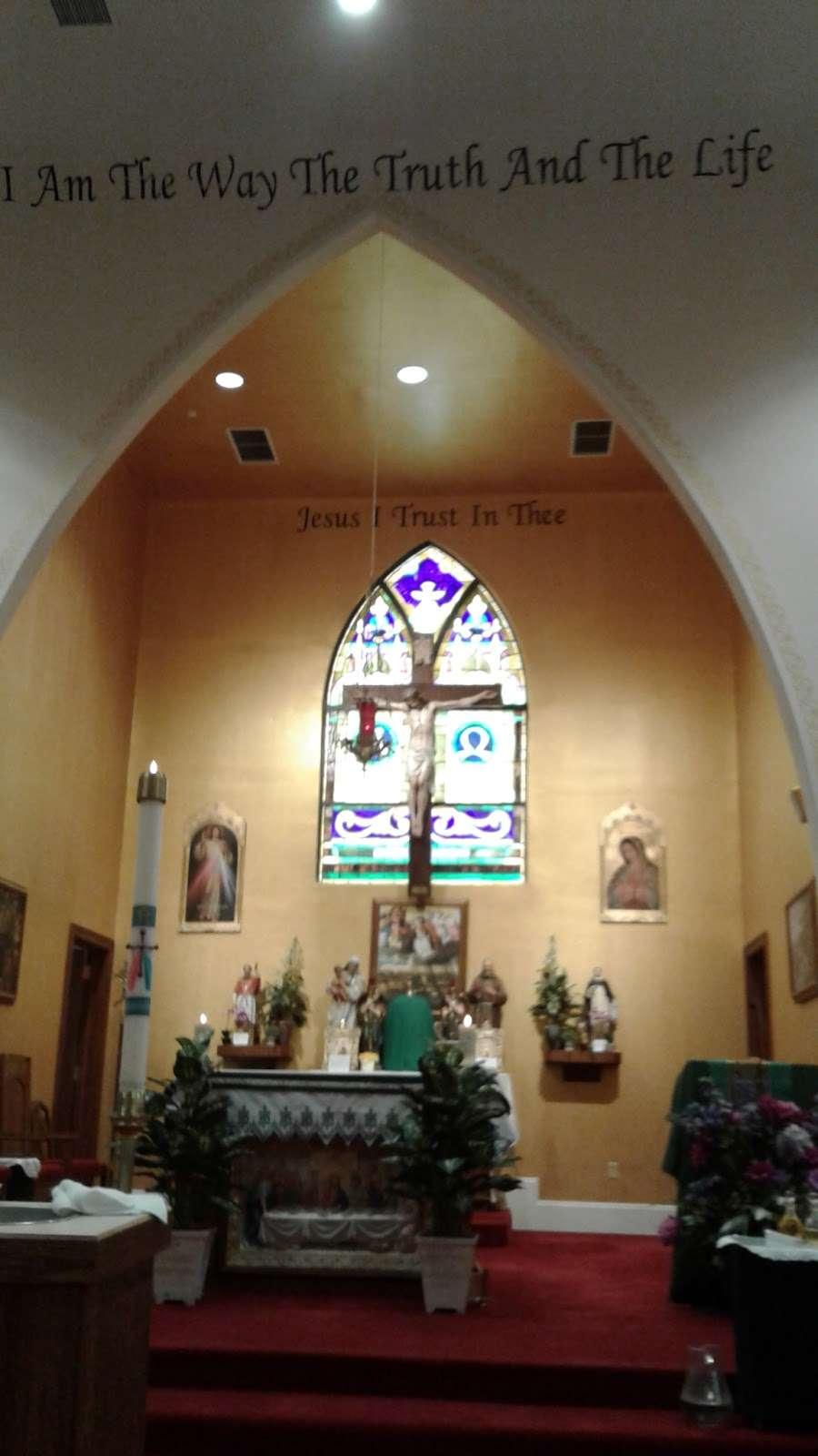 Our Lady of Victories - church  | Photo 3 of 4 | Address: 150 Harriot Ave, Harrington Park, NJ 07640, USA | Phone: (201) 768-1706