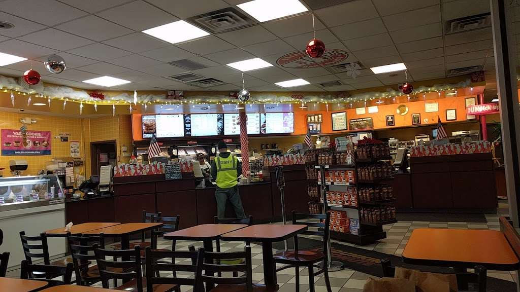 Dunkin Donuts - cafe  | Photo 4 of 10 | Address: 25420 Hillside Avenue, Queens, NY 11004, USA | Phone: (718) 470-9245