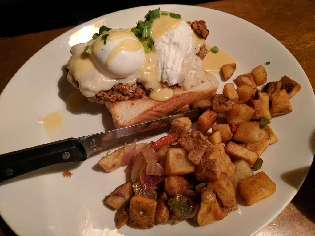 Black Walnut Cafe - cafe  | Photo 3 of 10 | Address: 9000 New Trails Dr, The Woodlands, TX 77381, USA | Phone: (281) 362-1678
