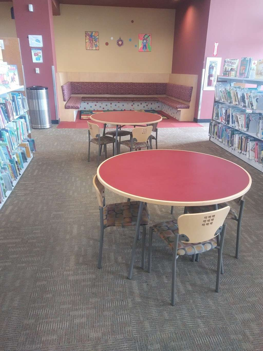 Pleasant Grove Branch Library - library  | Photo 3 of 10 | Address: 7310 Lake June Rd, Dallas, TX 75217, USA | Phone: (214) 670-0965
