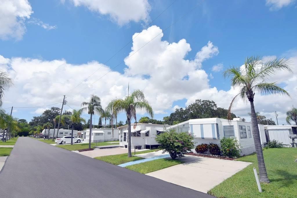 Avalon RV Resort - rv park  | Photo 4 of 6 | Address: 16860 US Hwy 19 N, Clearwater, FL 33764, USA | Phone: (727) 531-6124
