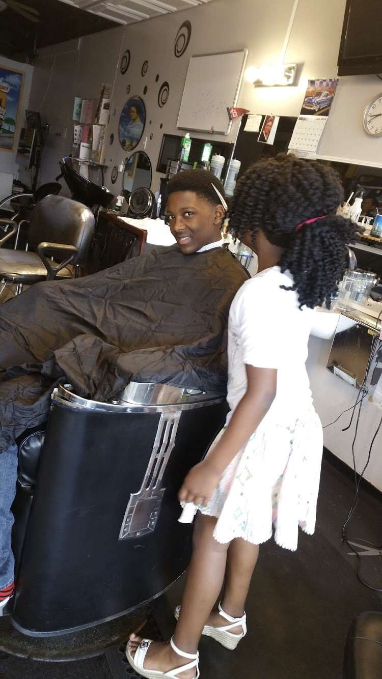 SlaughterHouse - hair care  | Photo 7 of 10 | Address: 5452 E 21st St, Indianapolis, IN 46218, USA | Phone: (317) 523-4163