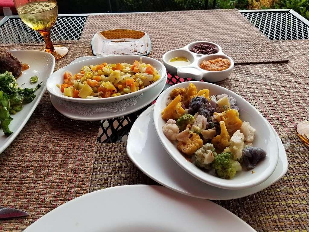 Liberty House Restaurant - restaurant  | Photo 8 of 10 | Address: 76 Audrey Zapp Dr, Jersey City, NJ 07305, USA | Phone: (201) 395-0300