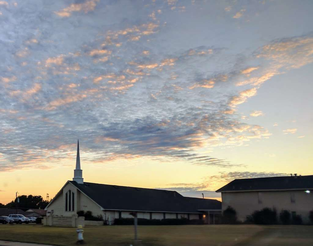 Crosspoint Bible Fellowship - church  | Photo 2 of 3 | Address: 7333 W Wheatland Rd, Dallas, TX 75249, USA | Phone: (972) 709-5433