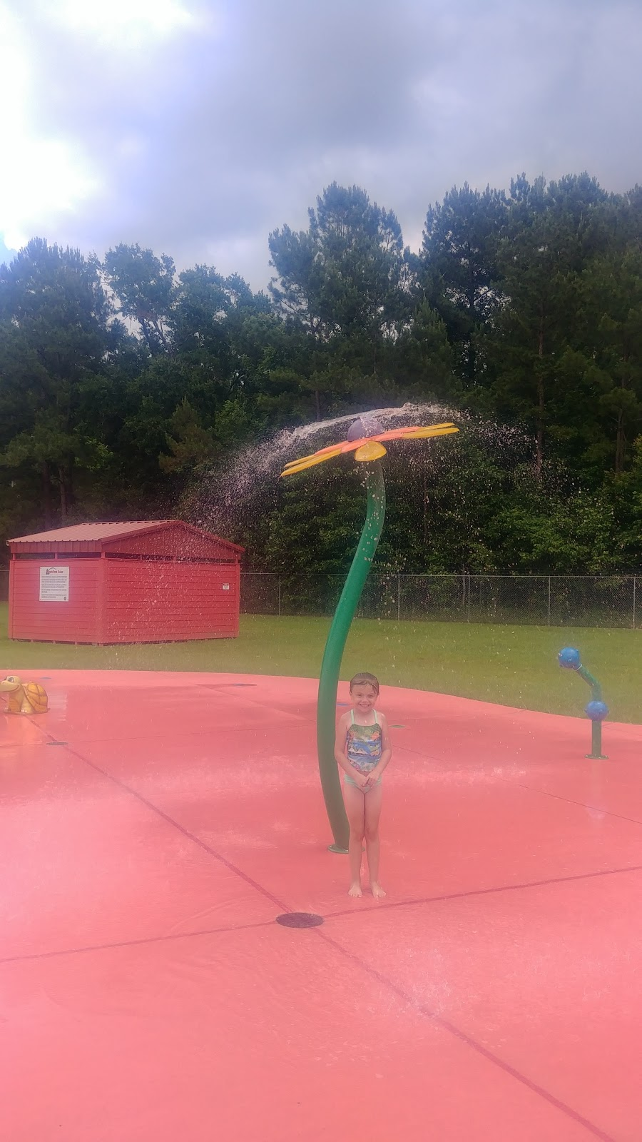 Splendora Splashpad - amusement park  | Photo 3 of 10 | Address: 14917 1st St, Splendora, TX 77372, USA