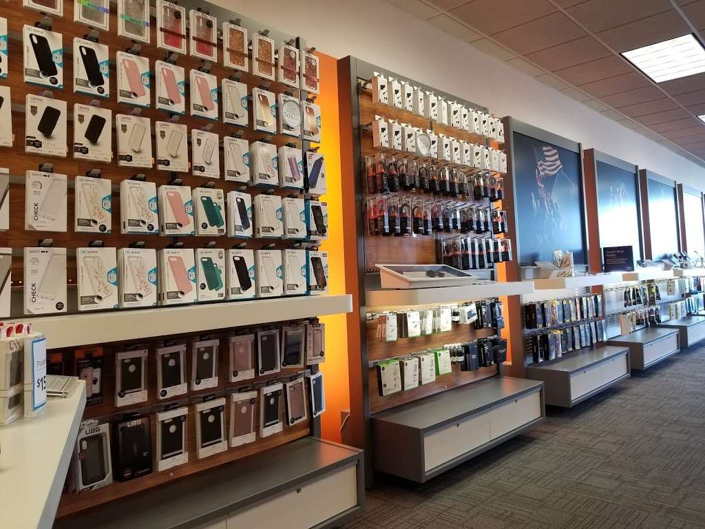 AT&T Store - electronics store  | Photo 4 of 10 | Address: 6646 Garth Rd, Baytown, TX 77521, USA | Phone: (281) 421-1900