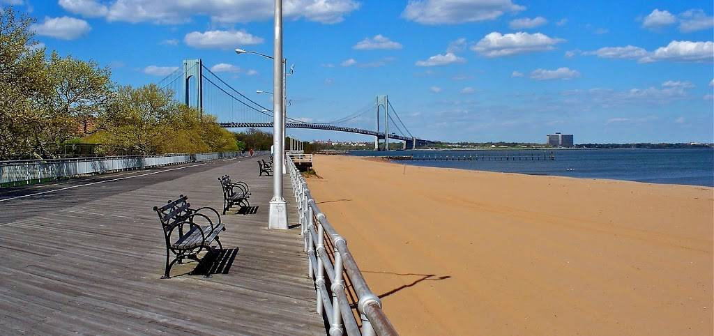 Hollys Staten Island Buzz Realty - real estate agency  | Photo 1 of 9 | Address: 4 Minthorne St, Staten Island, NY 10301, USA | Phone: (718) 702-6848