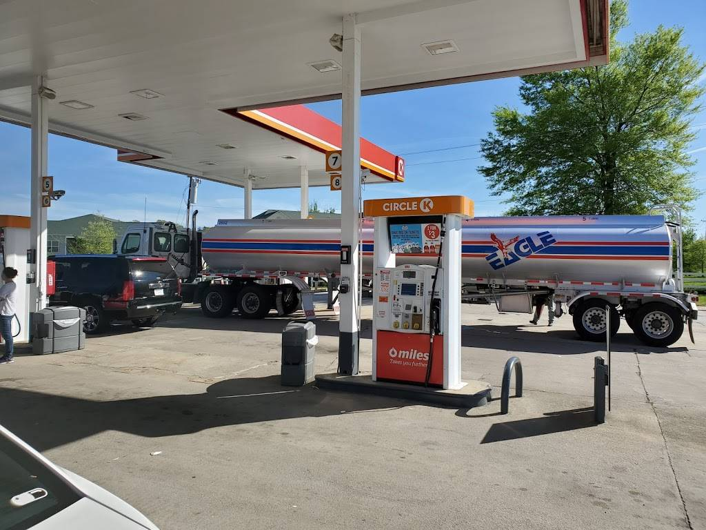 Kangaroo Express - gas station    Photo 2 of 4   Address: 3101 Pleasant Garden Rd, Greensboro, NC 27406, USA   Phone: (336) 275-0187
