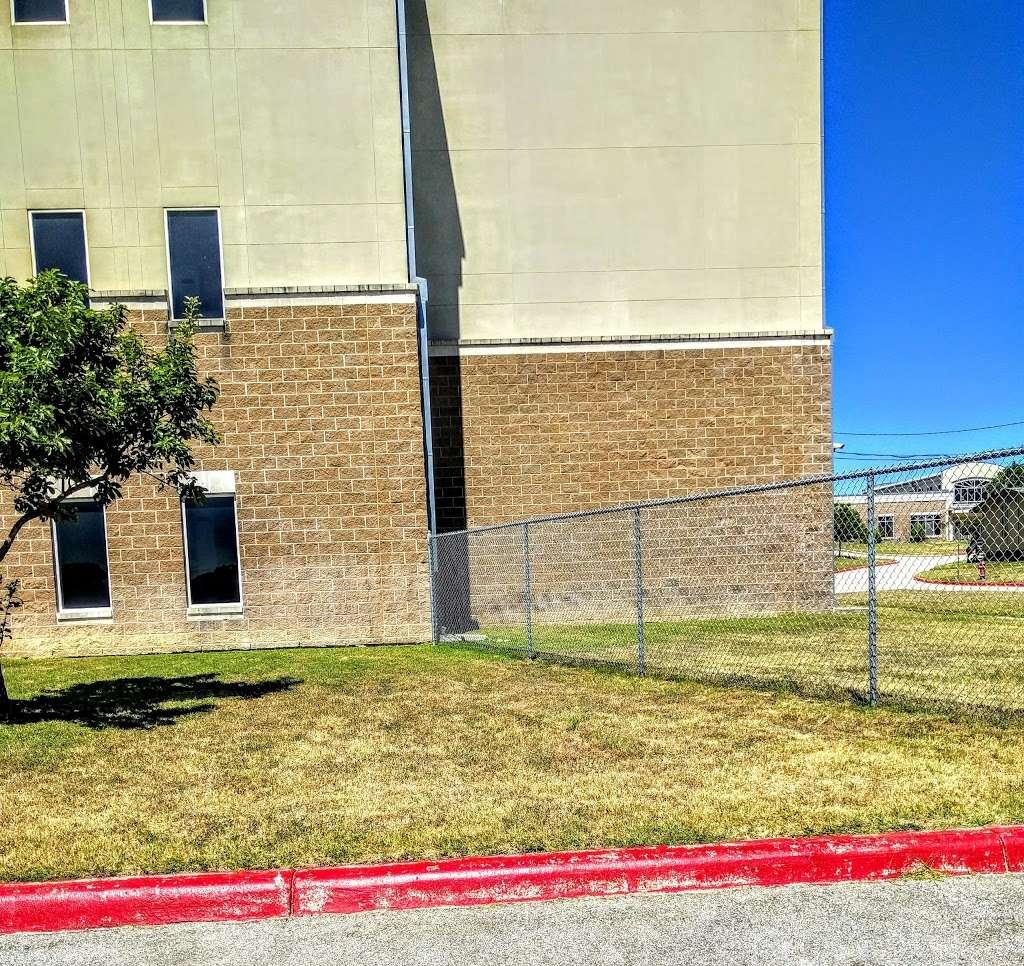 Frank Tejeda Middle School - school  | Photo 7 of 10 | Address: 2909 Evans Rd, San Antonio, TX 78259, USA | Phone: (210) 356-5600