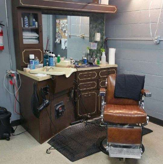 Troutman Barber Shop - hair care    Photo 2 of 2   Address: 621 N Main St, Troutman, NC 28166, USA   Phone: (704) 980-4212