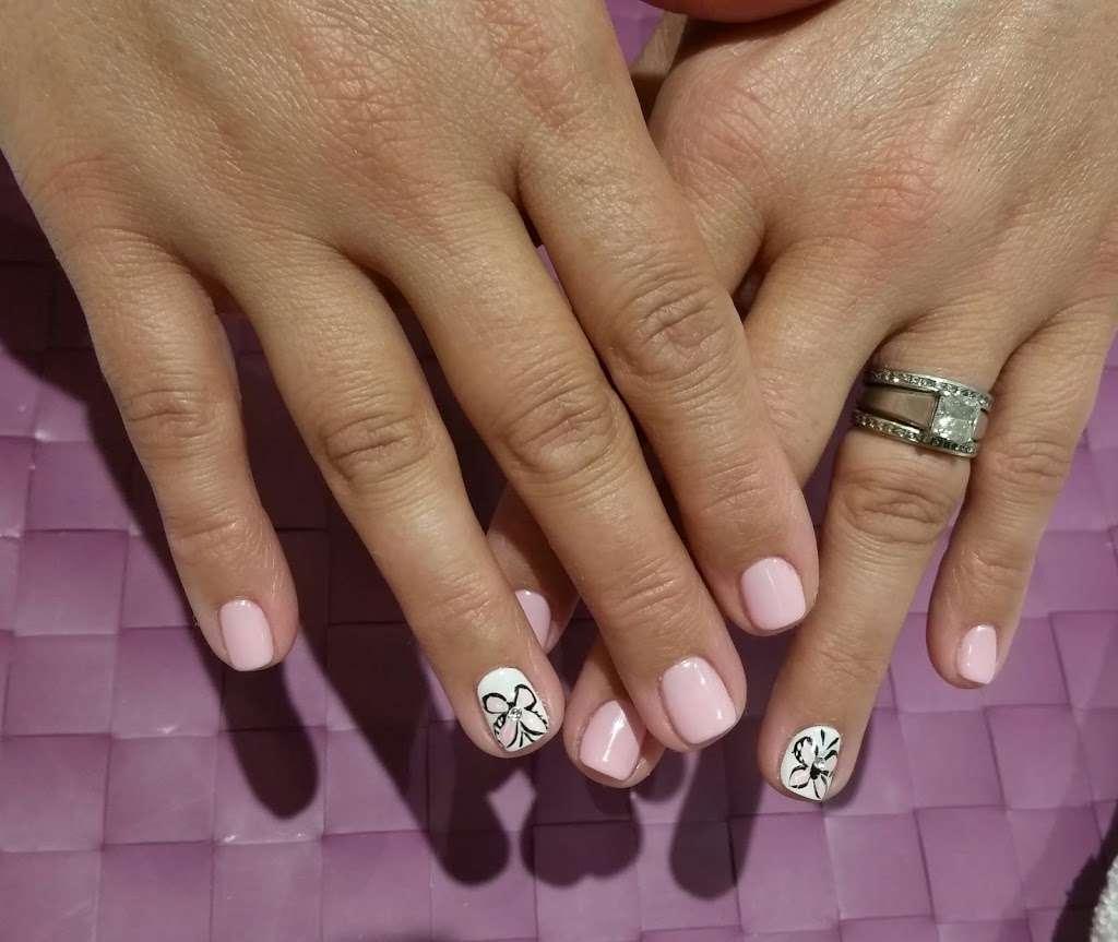 Juicy Nails & Spa - hair care    Photo 3 of 10   Address: 525 Main St #6, Monroe, CT 06468, USA   Phone: (203) 459-9494