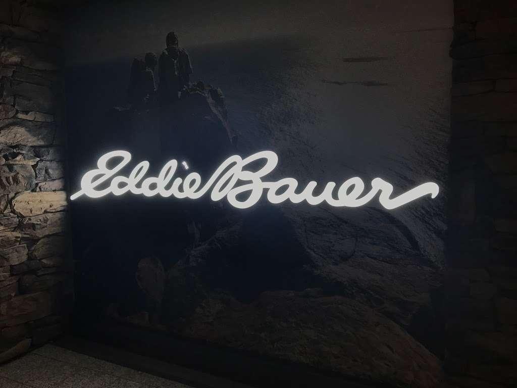 Eddie Bauer - clothing store  | Photo 5 of 5 | Address: East Elmhurst, NY 11371, USA