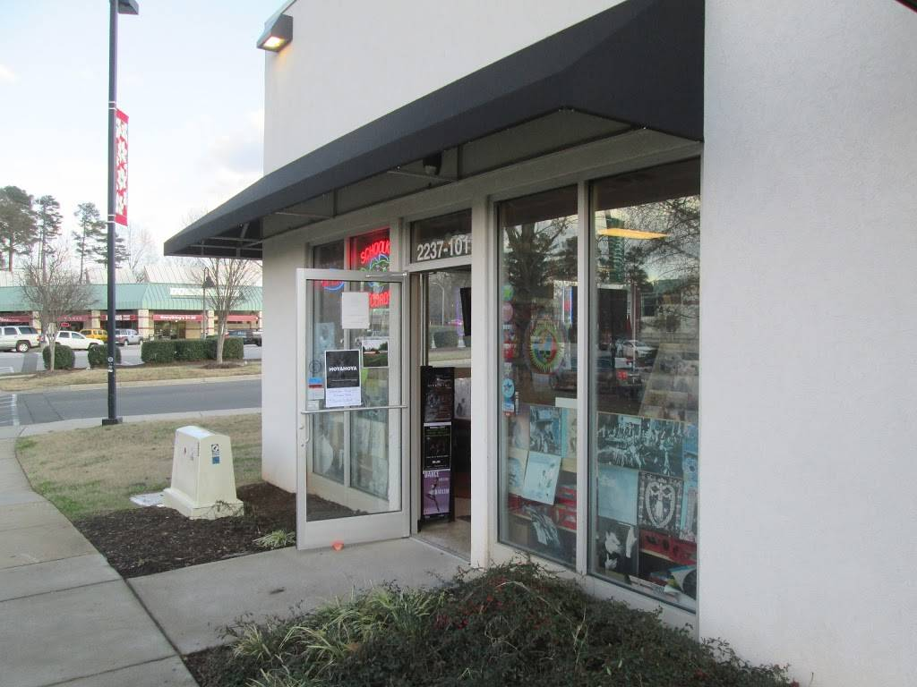 Schoolkids Records - electronics store    Photo 7 of 10   Address: 2237 Avent Ferry Rd, Raleigh, NC 27606, USA   Phone: (919) 821-7766