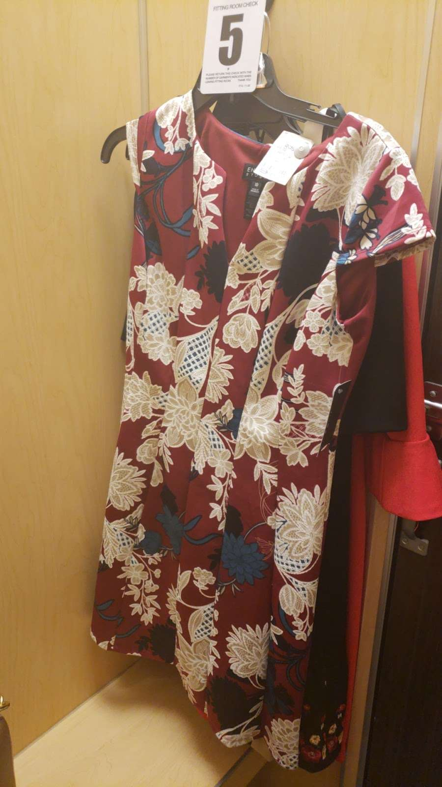 Ross Dress for Less - clothing store  | Photo 4 of 10 | Address: 2500 Gwynns Falls Pkwy, Baltimore, MD 21216, USA | Phone: (410) 225-9780
