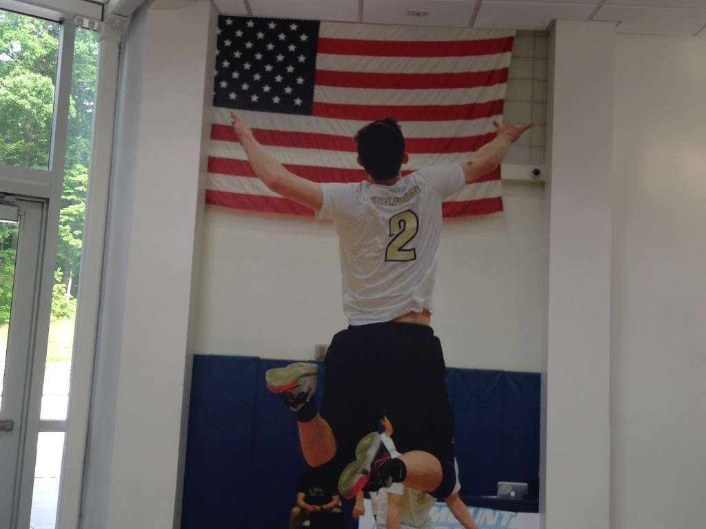 Bond Professional Wallcovering - painter  | Photo 2 of 4 | Address: 2962 Philip Ave, Bronx, NY 10465, USA | Phone: (718) 822-2463