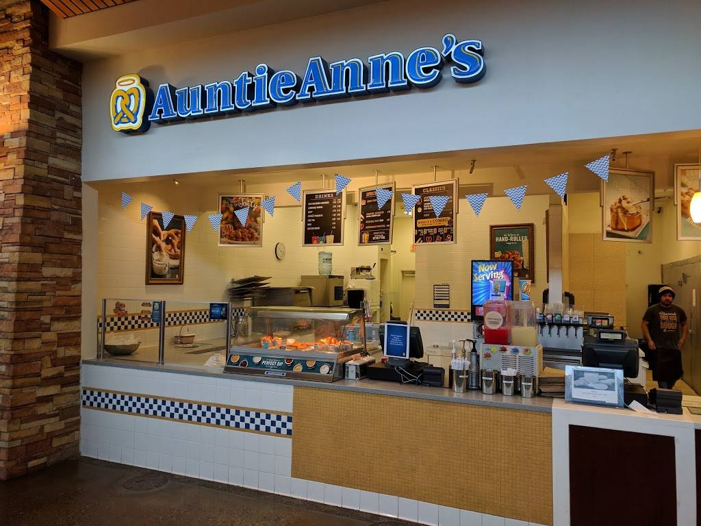 Auntie Annes - bakery  | Photo 5 of 10 | Address: 1613 Pleasonton Rd suite b-108, Fort Bliss, TX 79906, USA | Phone: (915) 298-1001