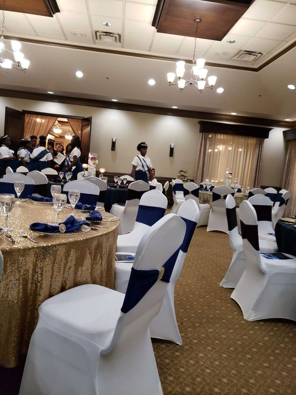 Falcons Nest Restaurant | Falcons Fire Golf Club - restaurant  | Photo 1 of 1 | Address: 3200 Seralago Blvd, Kissimmee, FL 34746, USA | Phone: (407) 239-5445