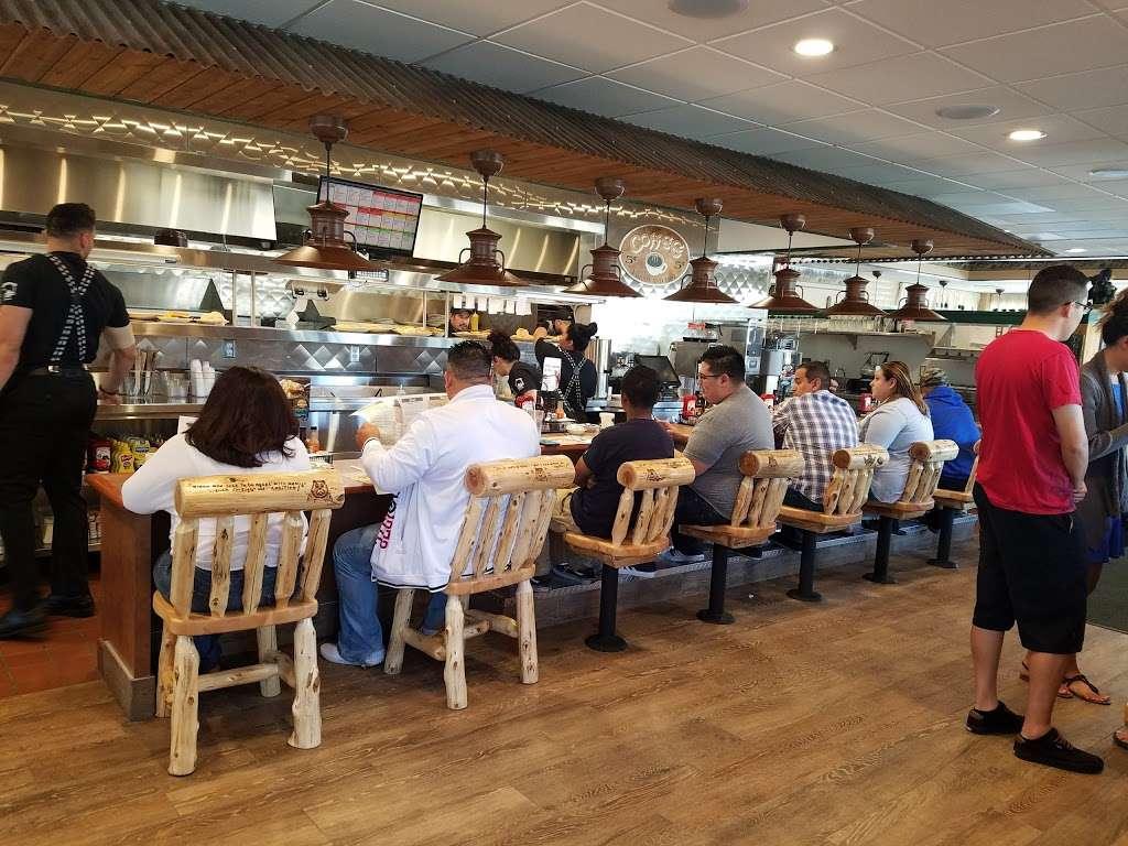 Chino Black Bear Diner - restaurant  | Photo 10 of 10 | Address: 12325 Mountain Ave, Chino, CA 91710, USA | Phone: (909) 364-9743