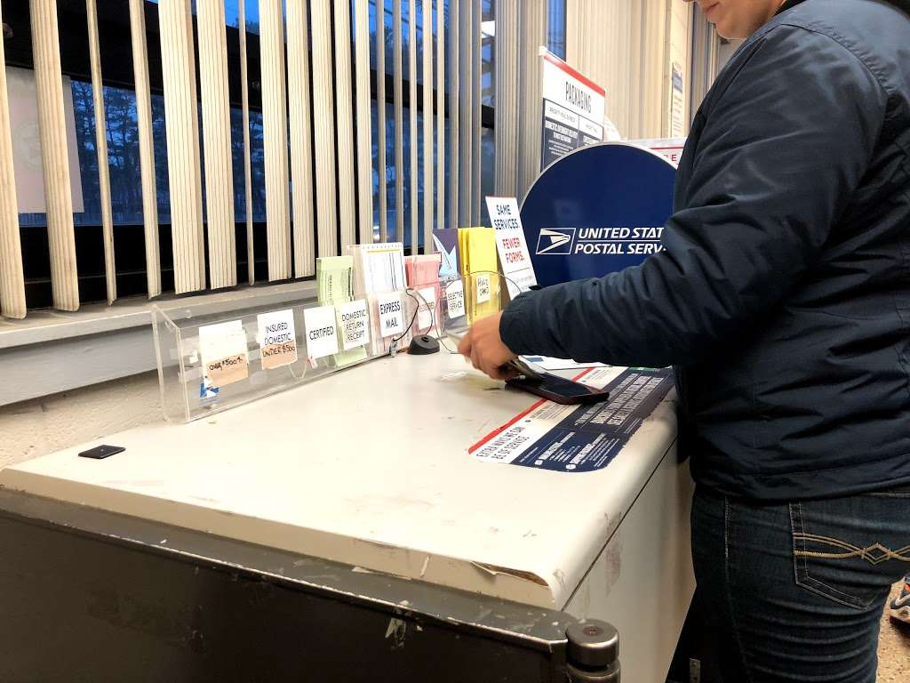 United States Postal Service - post office  | Photo 6 of 7 | Address: 260 Elmont Rd, Elmont, NY 11003, USA | Phone: (800) 275-8777