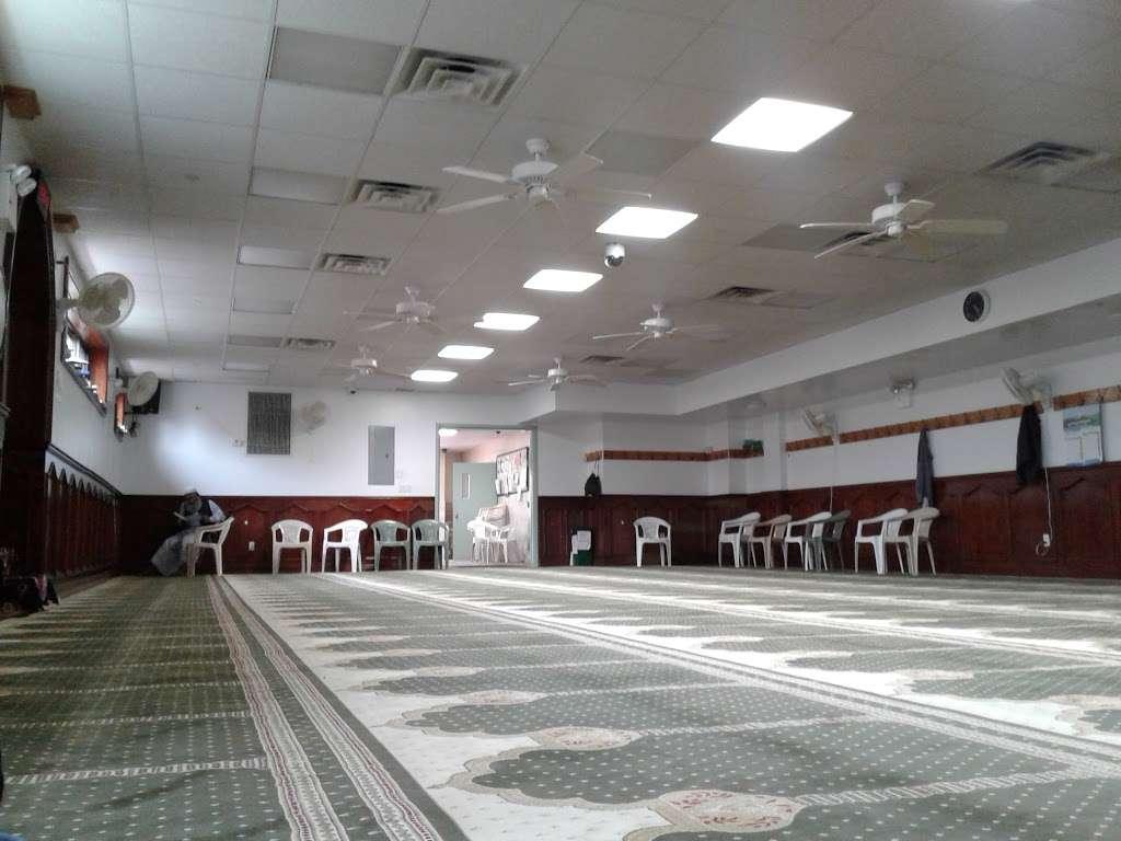 Baitul Mamur Masjid & Community Center - mosque  | Photo 10 of 10 | Address: 1033 Glenmore Ave, Brooklyn, NY 11208, USA | Phone: (718) 437-5702