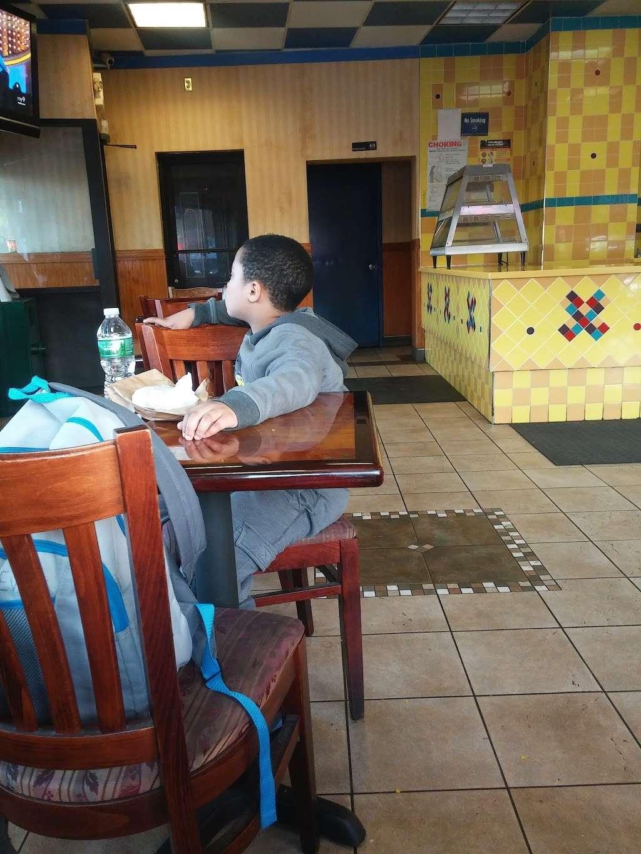 Golden Krust - restaurant  | Photo 3 of 4 | Address: 135-58 Brookville Blvd, Rosedale, NY 11422, USA | Phone: (718) 341-2011