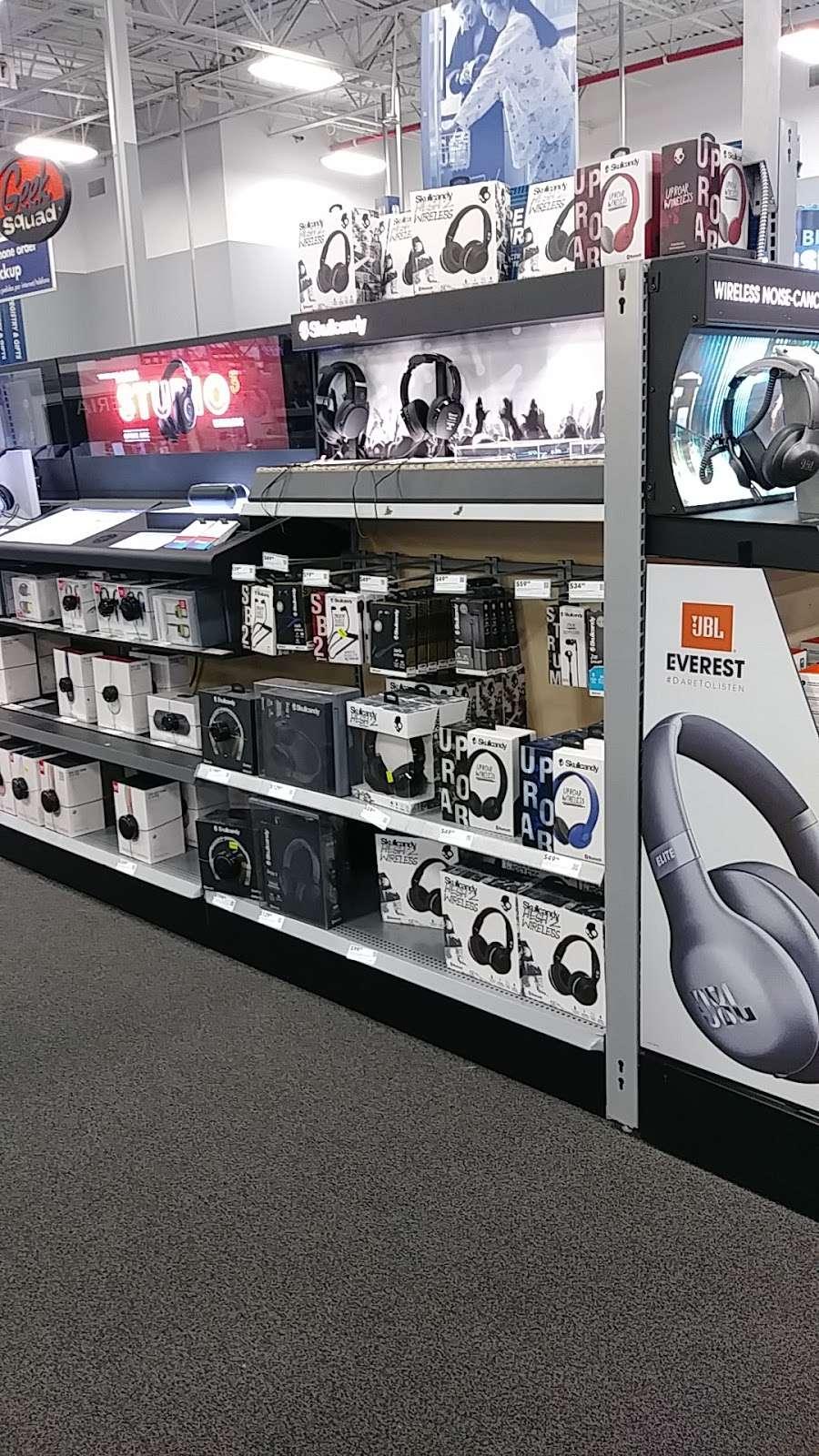 Best Buy - electronics store  | Photo 8 of 10 | Address: 3105 E Main St, Mohegan Lake, NY 10547, USA | Phone: (914) 528-3807