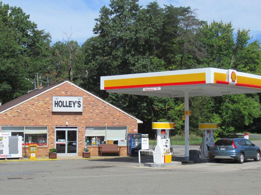 Holleys Market - convenience store  | Photo 2 of 3 | Address: 4374 James Madison Hwy, Gordonsville, VA 22942, USA | Phone: (540) 832-3344