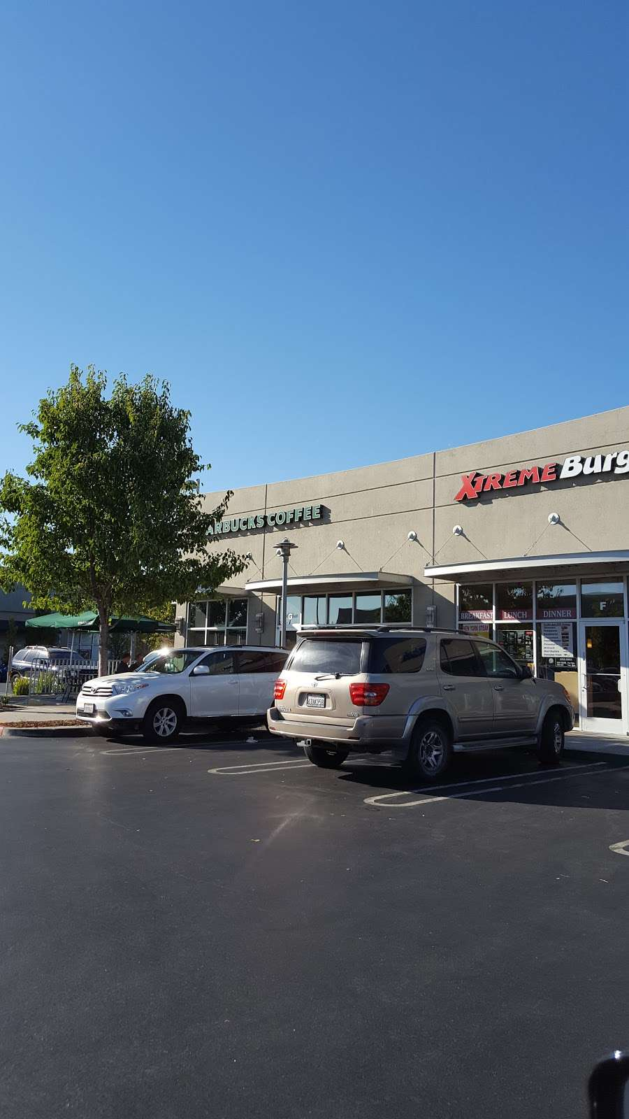 Starbucks - cafe  | Photo 3 of 10 | Address: 4045 Lone Tree Way G, Antioch, CA 94531, USA | Phone: (925) 778-2974