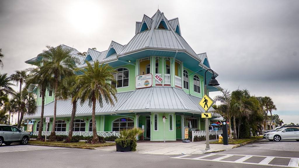 Hurricane Seafood Restaurant - restaurant  | Photo 3 of 9 | Address: 809 Gulf Way, St Pete Beach, FL 33706, USA | Phone: (727) 360-9558