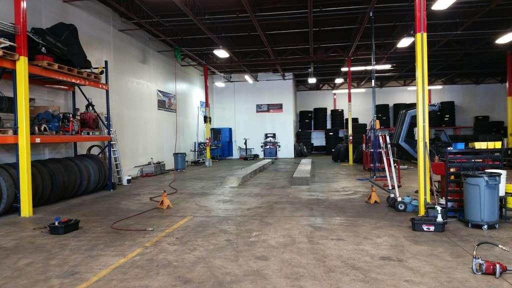 Rosen Tire Service - car repair  | Photo 4 of 10 | Address: 6801 Melton Rd, Gary, IN 46403, USA | Phone: (630) 779-7878
