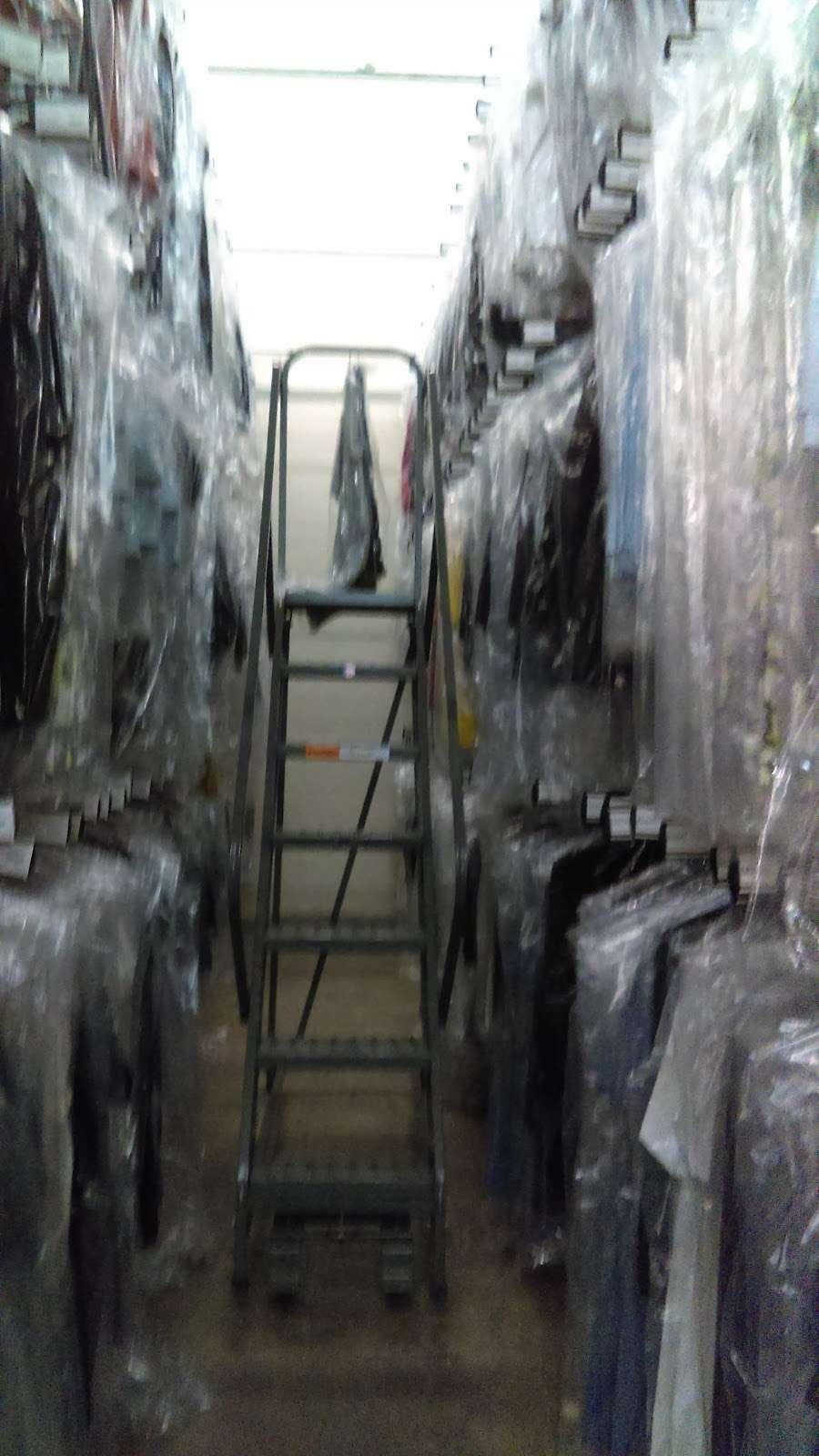 Port Logistics Group - storage    Photo 5 of 6   Address: 125 Castle Rd, Secaucus, NJ 07094, USA   Phone: (201) 865-2121