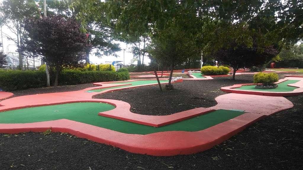 Aviator Golf Center - health  | Photo 7 of 10 | Address: 7015, 3200 Flatbush Ave, Brooklyn, NY 11234, USA | Phone: (718) 253-6816