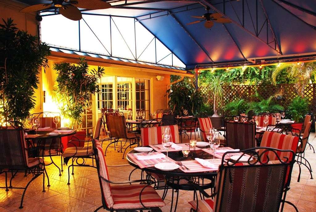 Patio Delray - restaurant    Photo 4 of 10   Address: 800 Palm Trail, Delray Beach, FL 33483, USA   Phone: (561) 279-0880