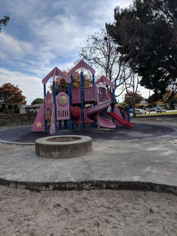 Lakewood Park - park  | Photo 10 of 10 | Address: 834 Lakechime Dr, Sunnyvale, CA 94089, USA | Phone: (408) 730-7350