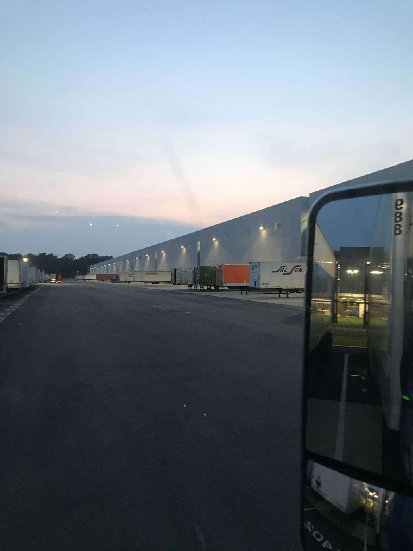 Wayfair - storage  | Photo 4 of 4 | Address: 18 Hightstown-Cranbury Station Rd, Cranbury, NJ 08512, USA