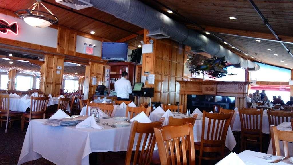 Sea Shore - restaurant    Photo 2 of 10   Address: 591 City Island Ave, Bronx, NY 10464, USA   Phone: (718) 885-0300