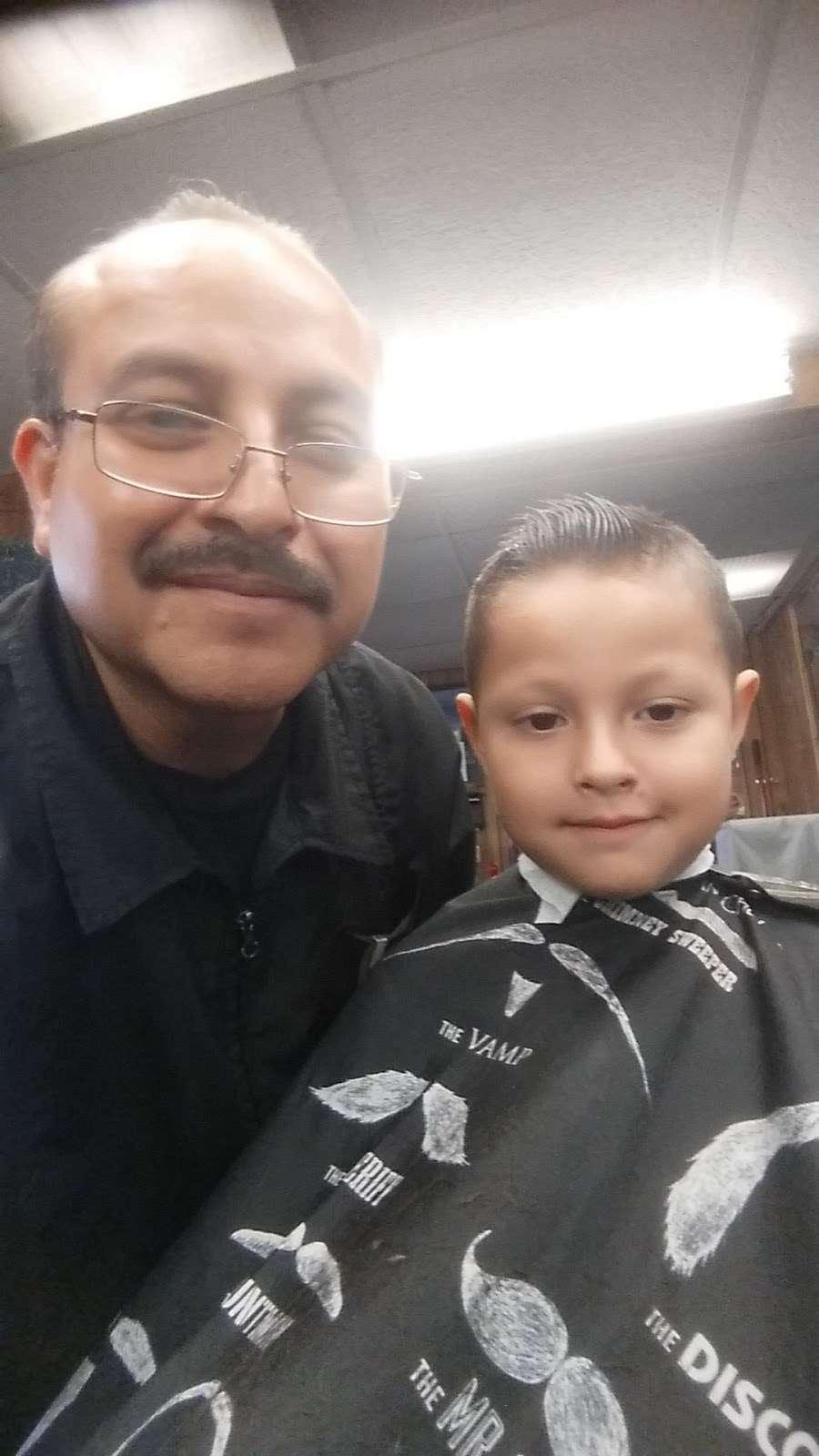 Joses Barber Shop - hair care  | Photo 5 of 10 | Address: 1317, 2006A Southmore Ave, Pasadena, TX 77502, USA | Phone: (832) 322-0981