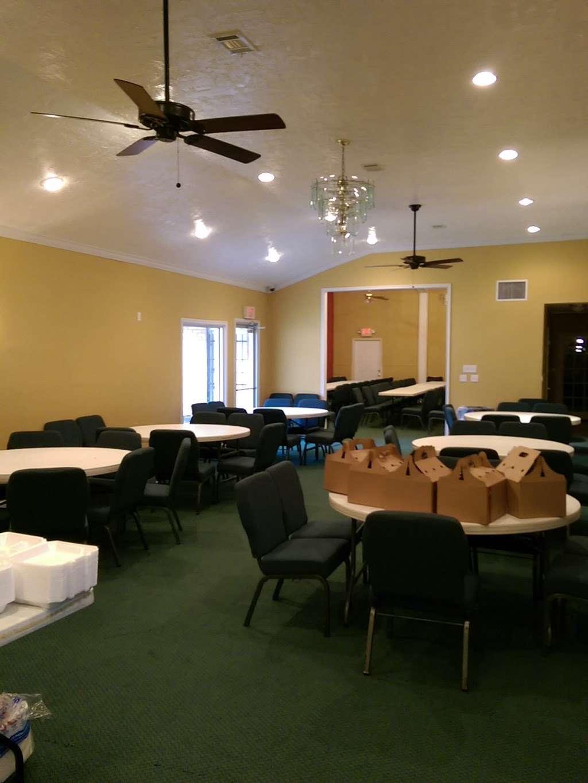 The Crossing Community Church - church  | Photo 5 of 10 | Address: 3225 W Orem Dr, Houston, TX 77045, USA | Phone: (713) 433-2862