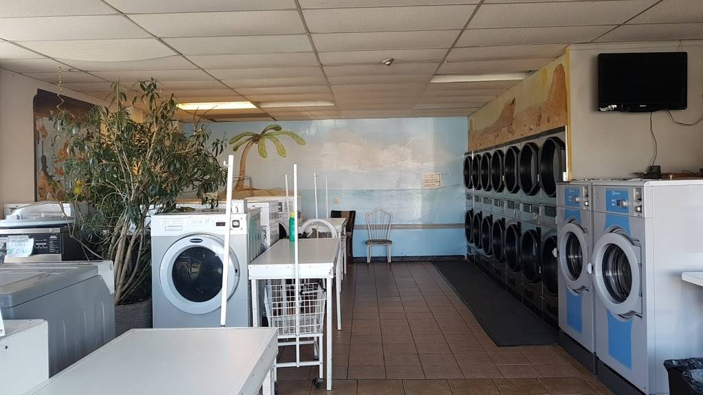 Campbell Laundry Shop - laundry  | Photo 4 of 6 | Address: 1705 College Ave, Windsor, ON N9B 1M4, Canada | Phone: (519) 258-3113