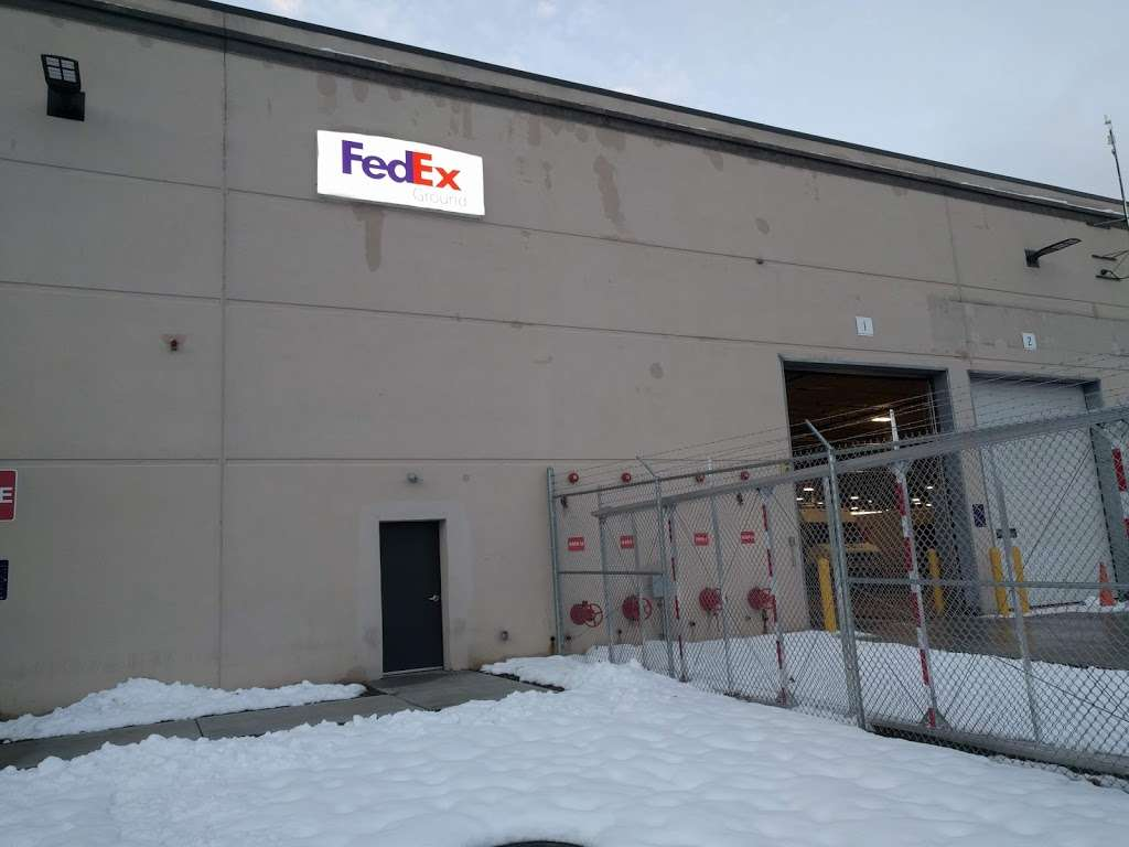 FedEx Ground - moving company    Photo 4 of 9   Address: 90 Salem Rd #1, North Billerica, MA 01862, USA   Phone: (800) 463-3339
