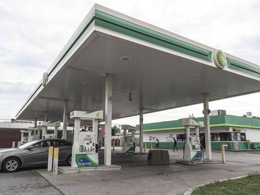 BP - gas station  | Photo 3 of 3 | Address: 2704 Crittenden Dr, Louisville, KY 40209, USA | Phone: (502) 384-9134